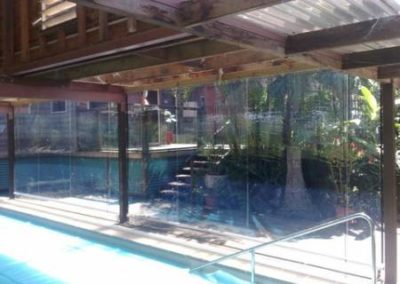 blinds_cafe_008  clear poolside