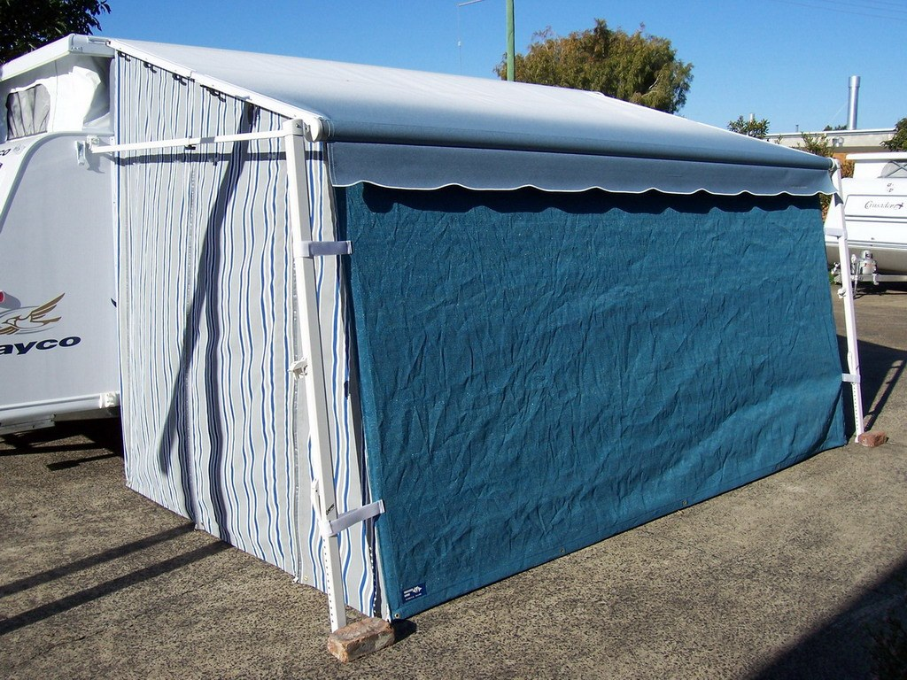 Products - Examples of Roll Out Awning Walls - Undercover ...